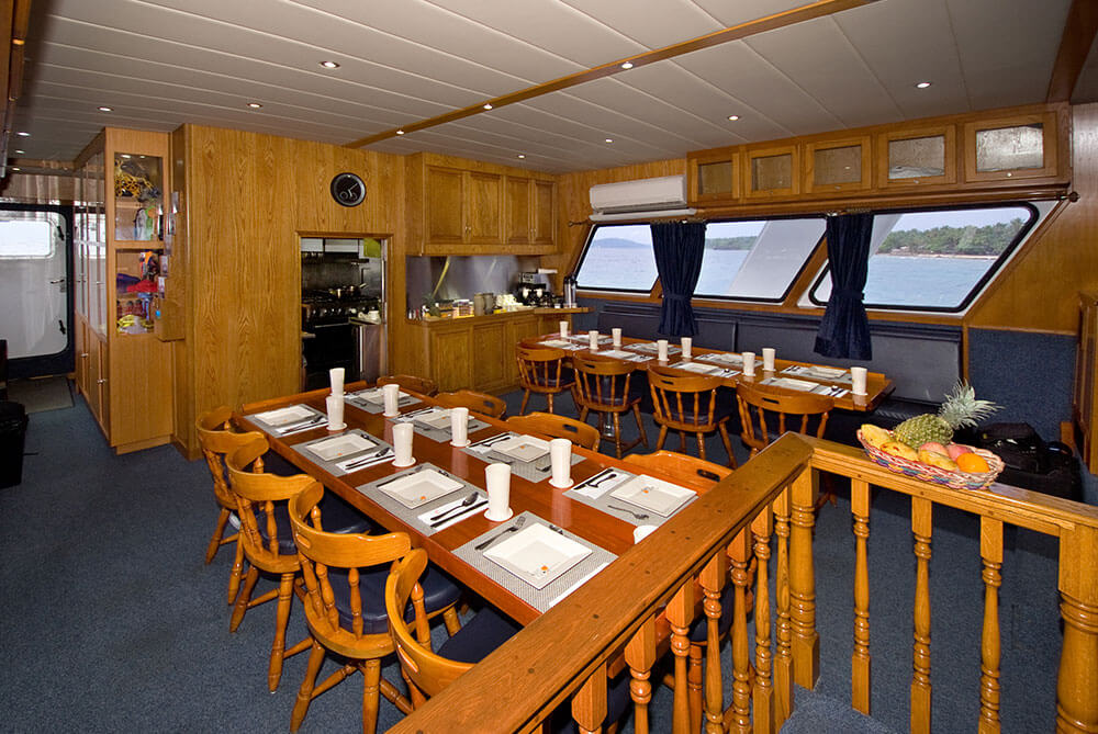 AZORES Dining 01