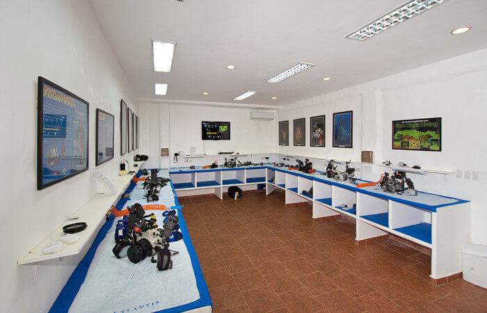 DGTE-Cameraroom-01