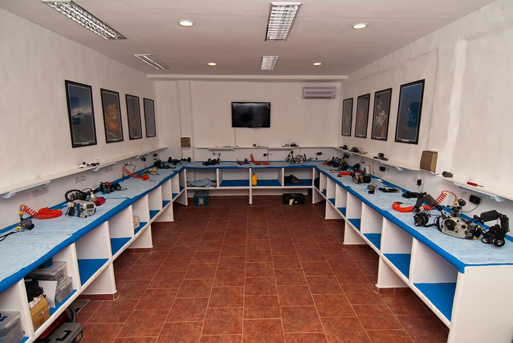 Dumaguete Camera Room