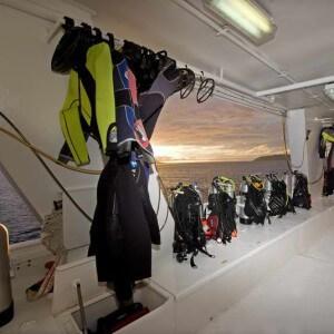 Dive Deck 01